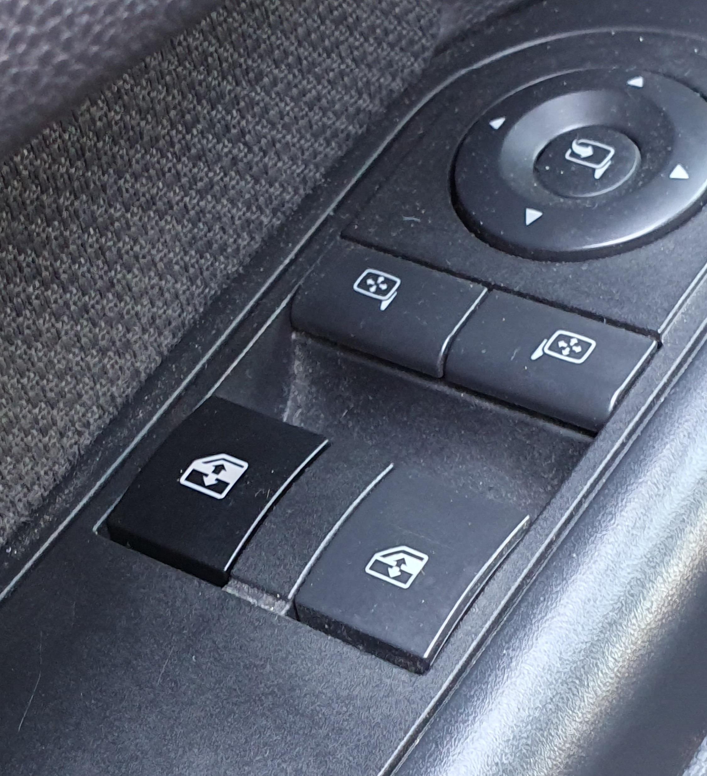 Krytka tlačidlo ovládania okna Opel Astra H Zafira B